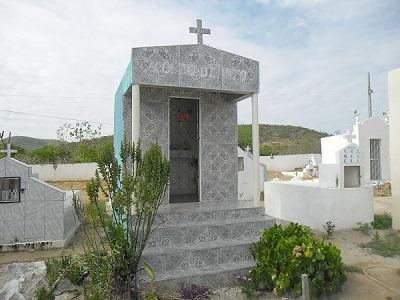 Imagem do túmulo de Agostinho Teixeira Pinto, em 2015.