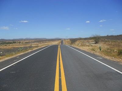 Rodovia Estadual CE-266.