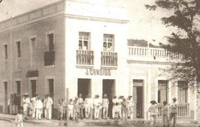 Comercial J. Cândido por volta de 1950.