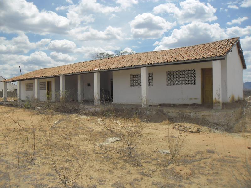Imagem da Escola de Ensino Fundamental Francisco Araújo Filho, em 2014.