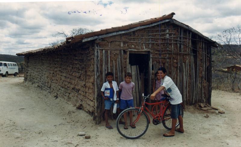 Escola que funcionava em uma casa de taipa.