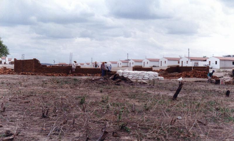Construção da escola.