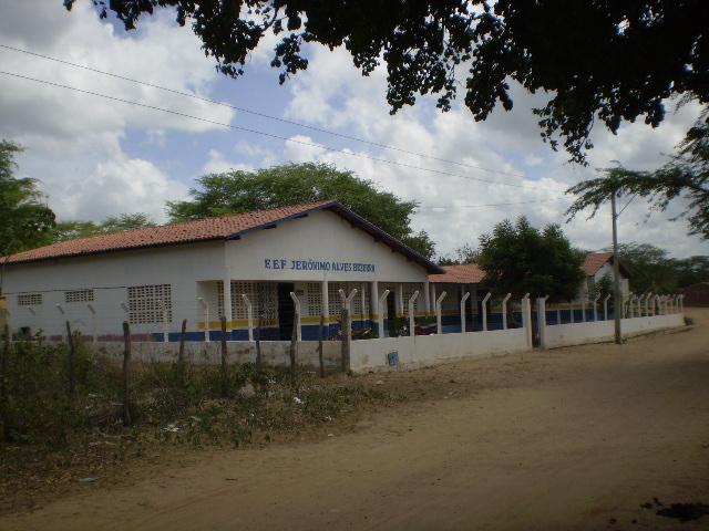 Escola de Ensino Fundamental Jerônimo Alves Bezerra em 2011.