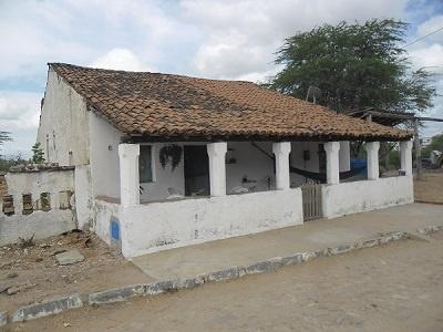 Imagem da residência de Eleonides Sales de Oliveira, em 2012.