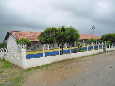 Escola de Ensino Fundamental Osseam Alencar Araripe em 2014.