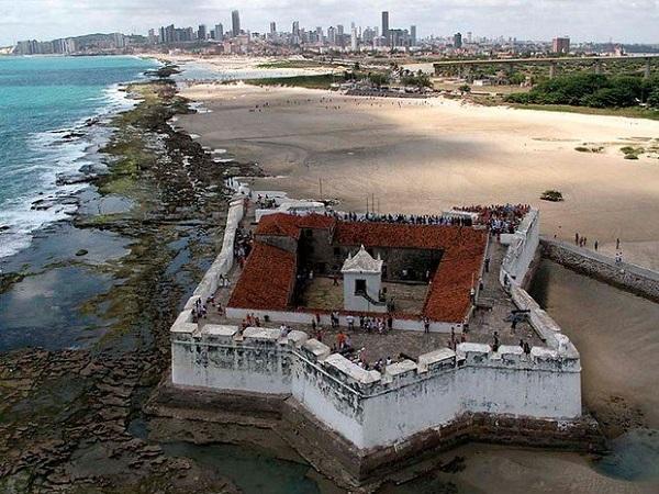 Imagem do Forte dos Reis Magos, em Natal.