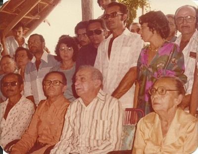 Imagem da família Marinho.