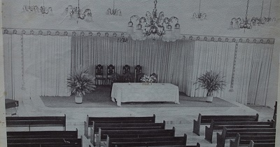 Imagem do altar da Igreja Evangélica Congregacional de Boa Viagem, em 1982.