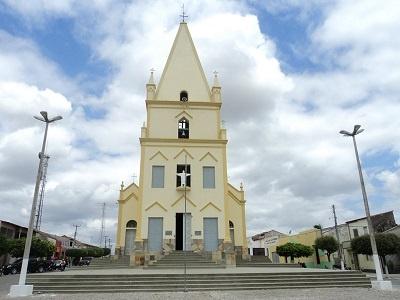 Imagem da Igreja Matriz do Bom Jesus Aparecido, na cidade de Solonópole, em 2011.