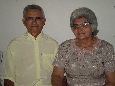 Imagem de Ozeas Facundo e sua esposa, em 2009.