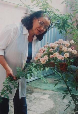 A Profª Rosary era algum encantada pela vida.