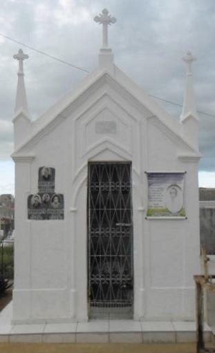 Mausoléu da família Queiroz Ramalho.
