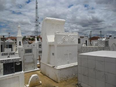 Mausoléu da Família Ribeiro.
