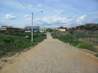 Passagem molhada de acesso ao Bairro Osmar Carneiro em 2014.