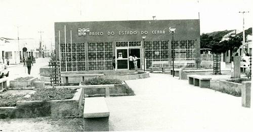 Imagem da Praça Vereador José Vieira de Lima, em 1980.