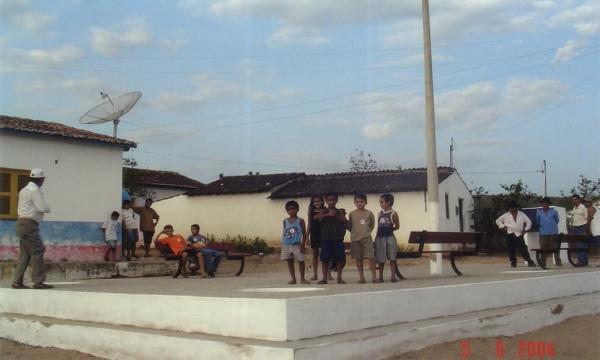 Imagem da praça pouco tempo depois de sua construção.