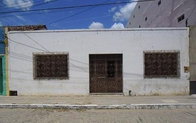 Residência de Cristovam de Queiroz Sampaio.