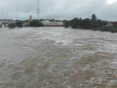 Imagem do Rio Boa Viagem em 2011.
