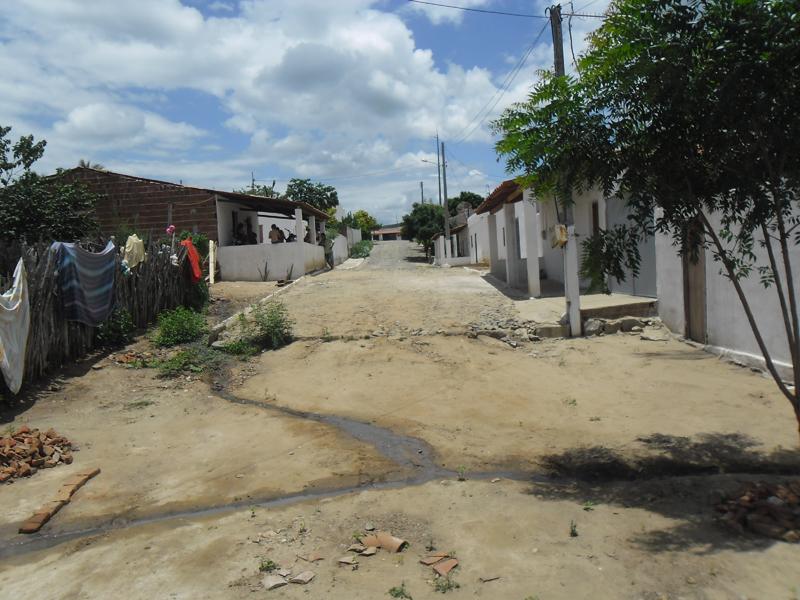 Cruzamento com a Rua Raimundo Ferreira de Melo.