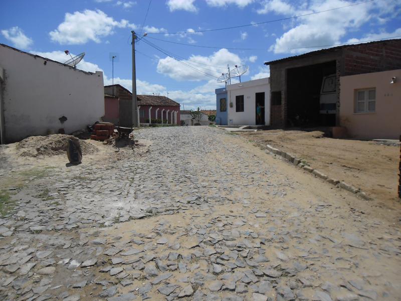 Imagem da Rua Maria Célia Macêdo de Araújo, em 2015.