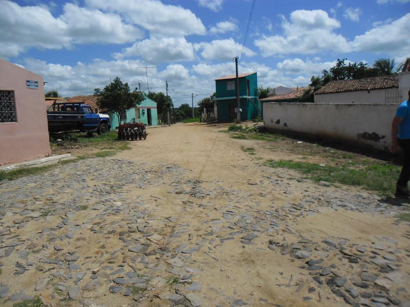 Imagem da Rua Maria Célia Araújo Macêdo, em 2015.