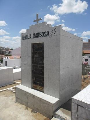 Imagem do tumulo da Família Barbosa, em 2016.