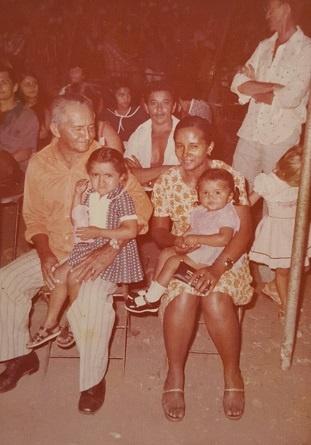 Imagem de Francisco Tibiriçá e de parte de sua grande família.