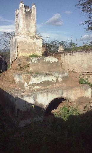 Imagem do túmulo de Quintiliano Rodrigues de Mesquita, em 2017,