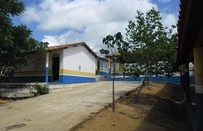Rampa de acesso da escola, em 2015.