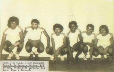 Imagem de um torneio de futebol de salão nas férias de 1976.