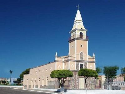 Imagem da Igreja Matriz da Sagrada Família, na cidade de Beberibe.