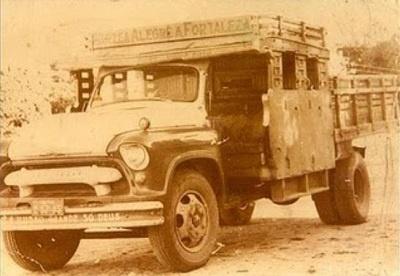 Caminhão denominado de misto.