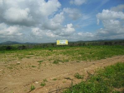 Imagem da placa que identificou o local de construção da Unidade de Pronto Atendimento Dr. Emérson Gustavo de Almeida, no Loteamento Horizonte, no Bairro Ponte Nova, em 2013.